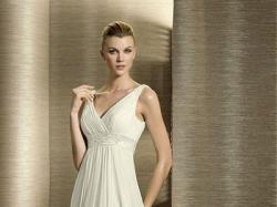 Oryginalna hiszpańska suknia ślubna White One 2012 roz. 42/44 z salonu Madonna
