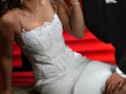 Oryginalna :skromna i koronkowa suknia ślubna!!!!!