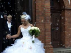 Oryginalna suknia slubna francuskiej projektantki Kelly Star