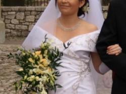 Oryginalna suknia ślubna również dla Pani w ciąży.