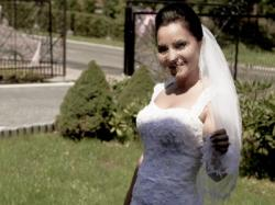 oszałamiająca suknia ślubna