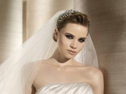 Perłowa suknia ślubna Atelier diagonal 2808 z salonu LA SPOSA