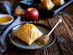 Pieczone jabłka z żurawinowym nadzieniem