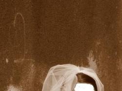 piękna biała jednoczęściowa suknia + bolerko, welon, halka
