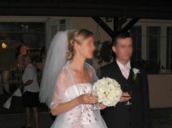 Piękna biała suknia firmy Agora