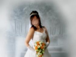 Piekna biała suknia slubna