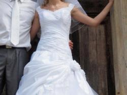 piękna biała suknia ślubna !!!