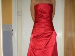 Piękna czerwona Suknia Wieczorowa