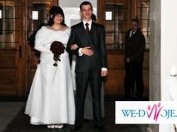 Piekna duża suknie ślubna