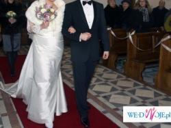 Piękna, elegancka suknia ślubna jednoczęściowa MADONNA