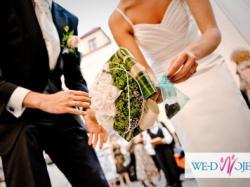 Piękna, elegancka suknia ślubna z kokardą!
