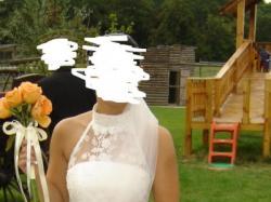 Piękna, elegancka, szykowna, śliczna suknie ślubna w kolorze ecru