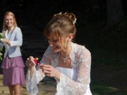 Piękna firmowa koronkowa suknia r. 34/36 + dodatki