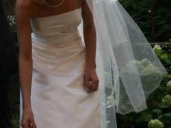 Piękna francuska suknia ślubna