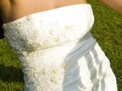 Piekna i delikatna suknia MS Moda