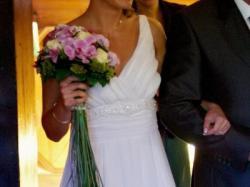 Piękna i delikatna suknia ślubna stan idealny