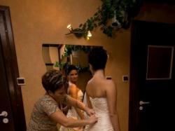 Piękna i elegancka suknia ślubna