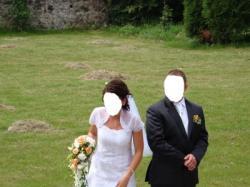 Piękna i elegancka suknia ślubna z bolerkiem firmy CLASSA