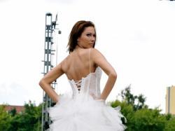 Piękna i niepowtarzalna suknis ślubna