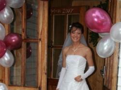 Piękna i skromna suknia ślubna