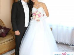 Piękna i Tania Suknia Ślubna Typu PRINCESS