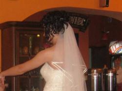 Piękna i wygodna suknia ślubna, bolerko, welon