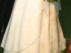 Piękna i wytworna suknia Julia Rosa 624