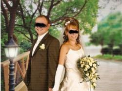 piękna i wytworna suknia ślubna