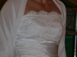 Piękna i wytworna suknia ślubna Julia Rosa