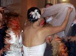 Piękna jasnozłota suknia ślubna DAMAS