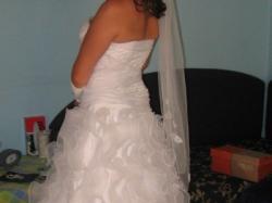 Piękna jedyna w swoim rodzaju suknia ślubna
