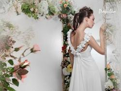 Piękna, prosta suknia ślubna Papilio 2012