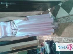 piękna różowa suknia z kryształkami