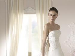 Piękna satynowa suknia ślubna Debbie