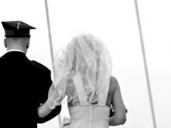 Piękna, seksowana suknia ślubna Biancaneve
