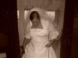 Piękna śnieżno biała suknia ślubna + dodatki