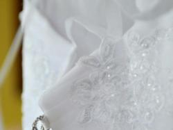 Piękna suknia Angel Shirvan