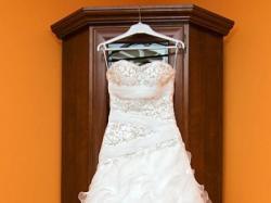 piękna suknia Carrera