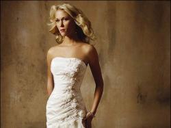 piękna suknia COSMOBELLA - kremowa :)  1000 zl :)