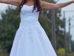 Piękna suknia model GIANNA 2013