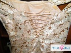piękna suknia na wesele