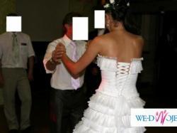 Piękna suknia Papilio 826