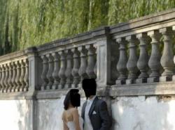 piękna suknia- rybka, francuska koronka