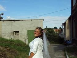 Piękna suknia ślubna.....