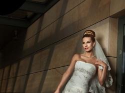 Piękna suknia ślubna ANNAIS BRIDAL-model MIRACLE+welon+buty