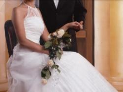 Piękna suknia ślubna, bardzo oryginalna