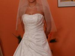 piękna suknia ślubna Cosmobella w kolorze ivory rozm. 36, za 900 zł