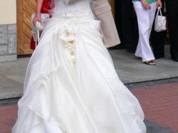 Piękna suknia ślubna ecru rozmiar 36 (używana)