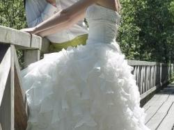 Piękna suknia ślubna Elianna Moore Aqua