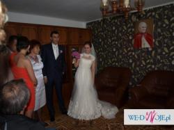 Piękna suknia ślubna  Enzoani 2010
